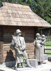 Колочава.Пам'ятник заробітчанам. Фото zakarpattya.net.ua Автор