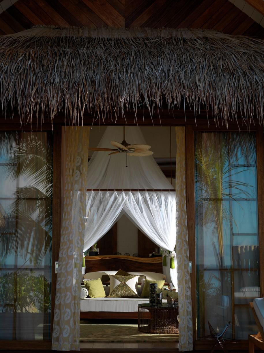Jumeirah Vittaveli Resort на Мальдивах