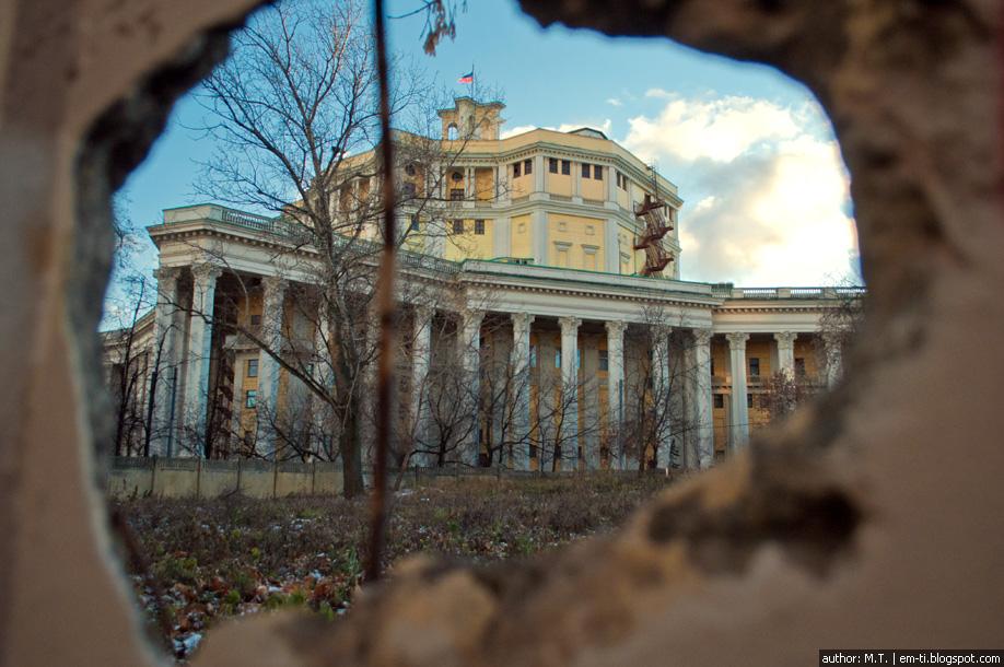 Театр советской армии.