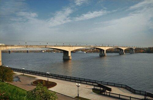 В выходные на Октябрьском мосту будет ограничено движение.