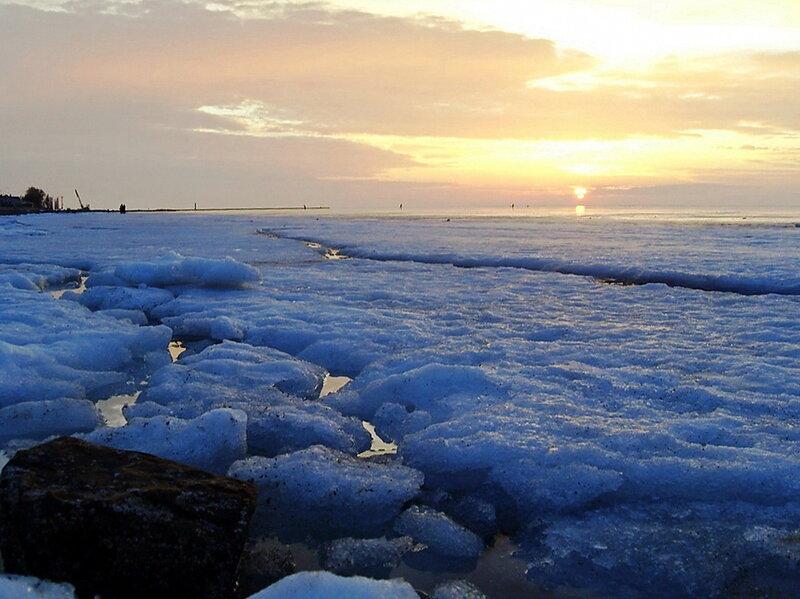 Лёд Ахтарского лимана.