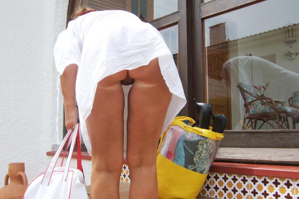 Почему девушки не носят трусы дома