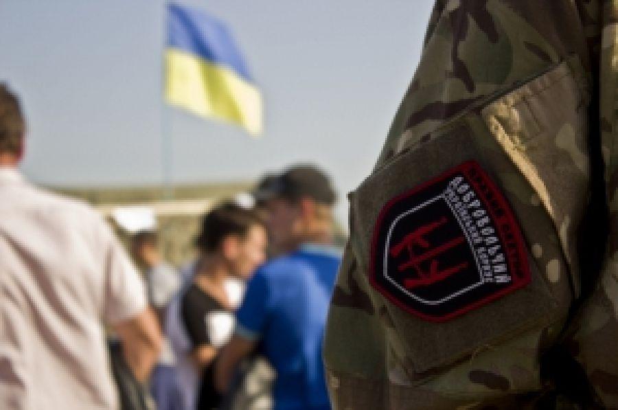 Иностранные гости посетили акции с блокады Крыма
