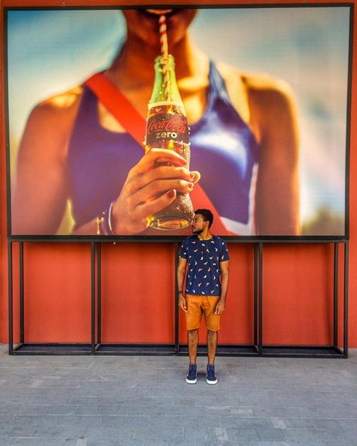 Новая мода в Instagram: флэшмоб   гармоничные фотографии на фоне стены