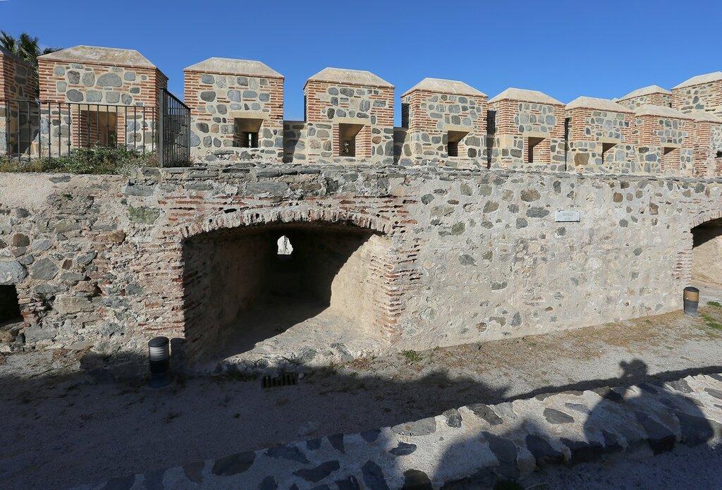 Альмуньекар. Крепость Святого Михаила. Башня Леванте (Torre de Levante)