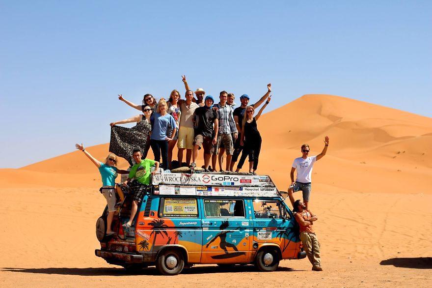 25 Читатели нашего блога, а также случайные встречные путешествовали с нами и разделяли наши расходы