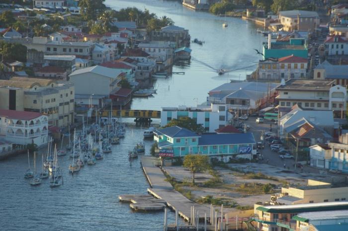 """Этот город в путеводителях называют """"Другие Карибы"""", однако в этих же путеводителях настойчиво убежд"""