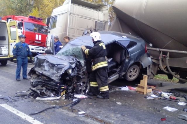 ВНижегородском регионе произошла смертоносная авария сцементовозом