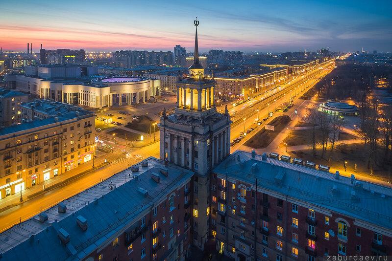 Маленький уголок Москвы в Петербурге