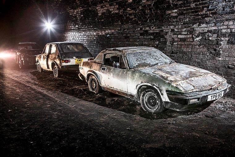 Urbex - Photographer discovers old cars in an underground tunnel of Liverpool