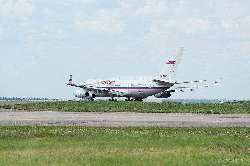 Ильюшин Ил-96-300ПУ (RA-96021) Россия 0350_D804447