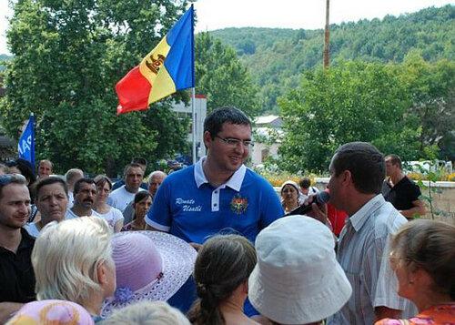Ренато Усатый подарил 1 миллион леев селам Молдовы