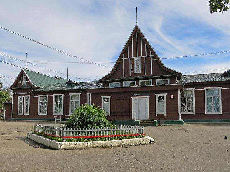 Здание вокзала в Кандалакше