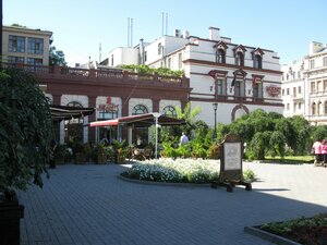 Кафе и гостиница Моцарт в Одессе