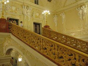 Одесский театр оперы и балета - лестница