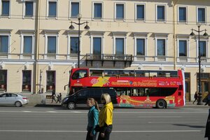 Достопримечательности Санкт-Петербурга: экскурсионный автобус