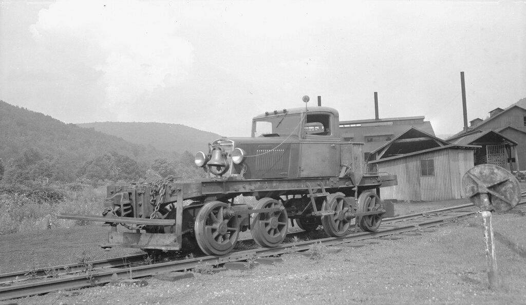 Morrison Chemical Company, Heisler railroad motor car, on Valley Railroad tracks in Morrison (McKean County), Pennsylvania. 1947 July 15.