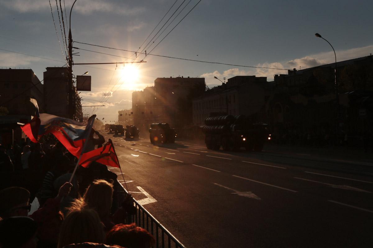 Фоторепортаж с генеральной репетиции парада Победы