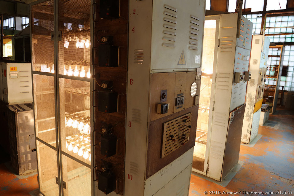 22. Светодиодные лампы проверяют на устойчивость к низким и высоким температурам, подвергают ви