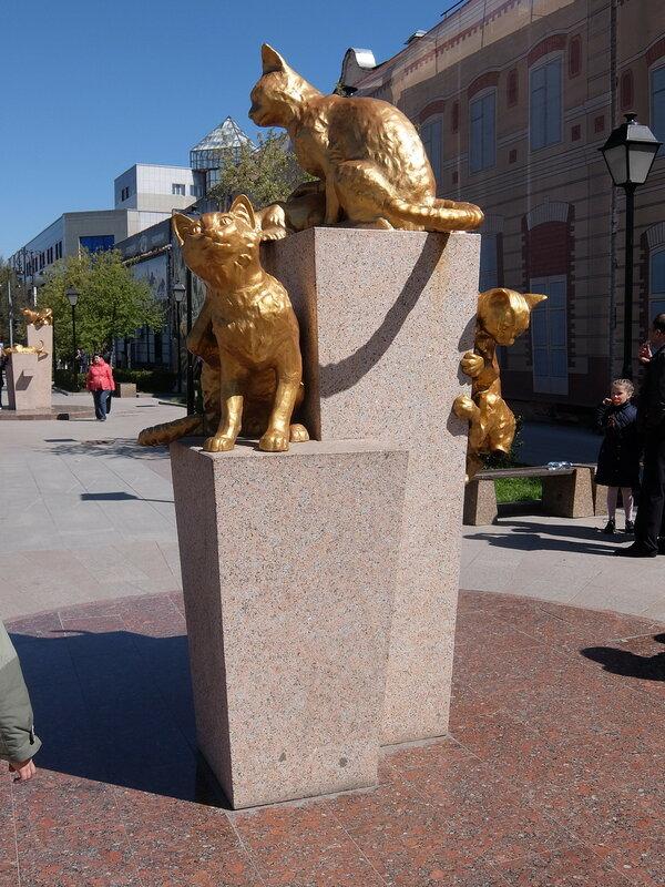 Тюмень - Сквер Сибирских кошек