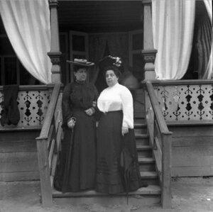 1904. Вешняки. С. М. Шерешевская и мадам Ривкинд