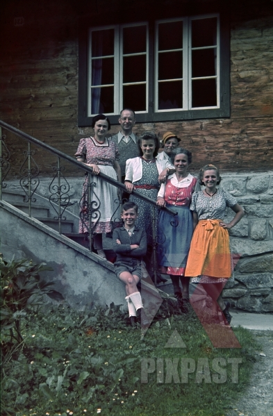 stock-photo-perfect-family-portrait-local-austrian-bavarian-costume-ginzling-austria-summer-1939-7889.jpg