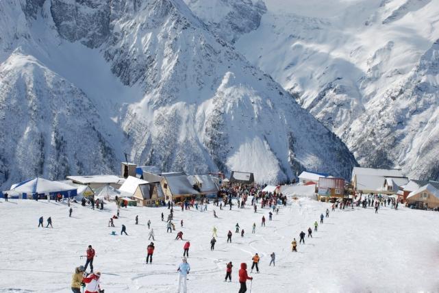 Прекрасные пейзажи, приветливые хозяева уютных гостиниц и мягкий климат ждут на Северном Кавказе. Те