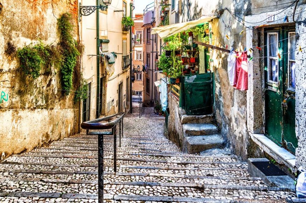 Алфама— старейший исторический район Лиссабона.