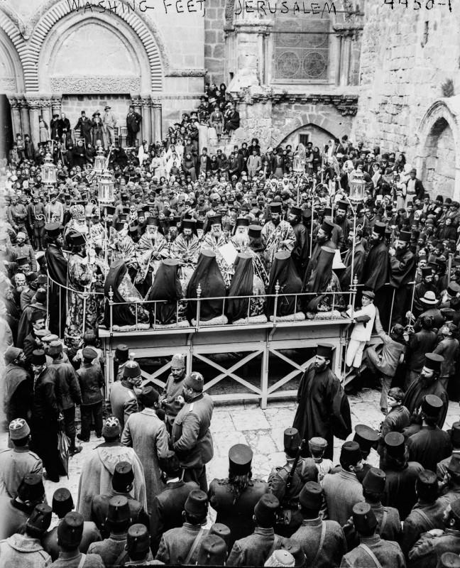 1915 год. Православная церемония омовения ног.