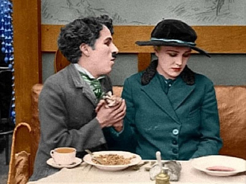 В возрасте 19 лет Чаплин получает место актера в театральном предприятии Фреда Карно, который з