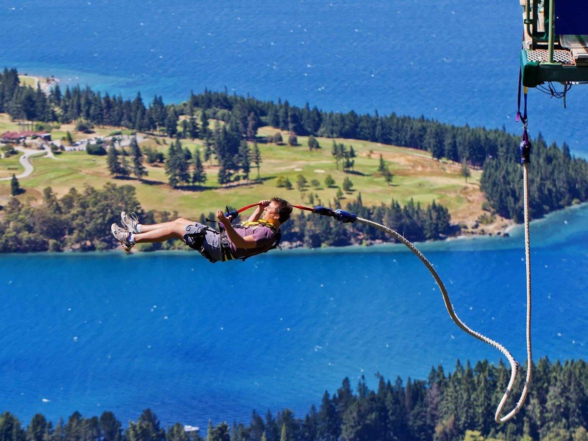 Новая Зеландия предлагает множество приключений для одинокого путешественника. Здесь есть все: от пр