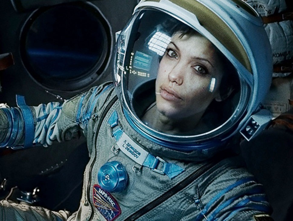 Анджелина Джоли в роли Райан Стоун, «Гравитация». Сначала самой предпочтительной кандидатурой на гла