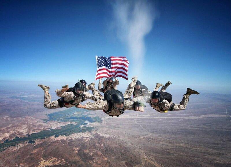 Похороны в воздухе: Морская Пехота, 2012 год