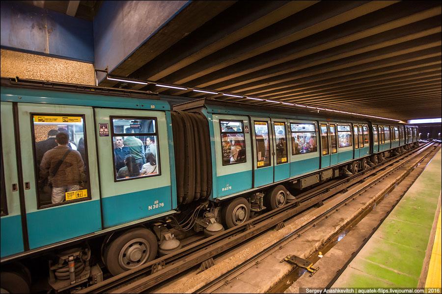 Как думаете, зачем поезду резиновые колеса