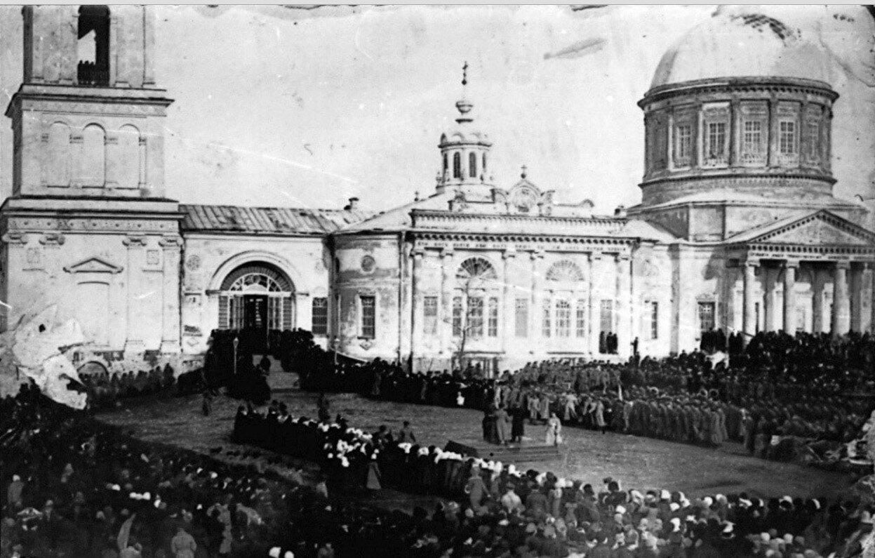 Троицкий собор. Торжественный день на Красной Площади