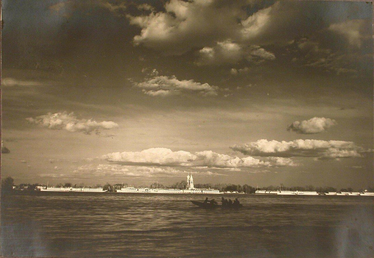 01. Вид на Труханов остров с Днепра