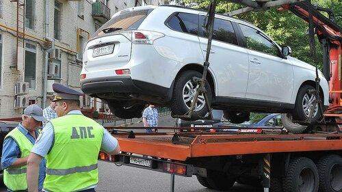 В сентябре в России меняется цена на эвакуацию автомобиля