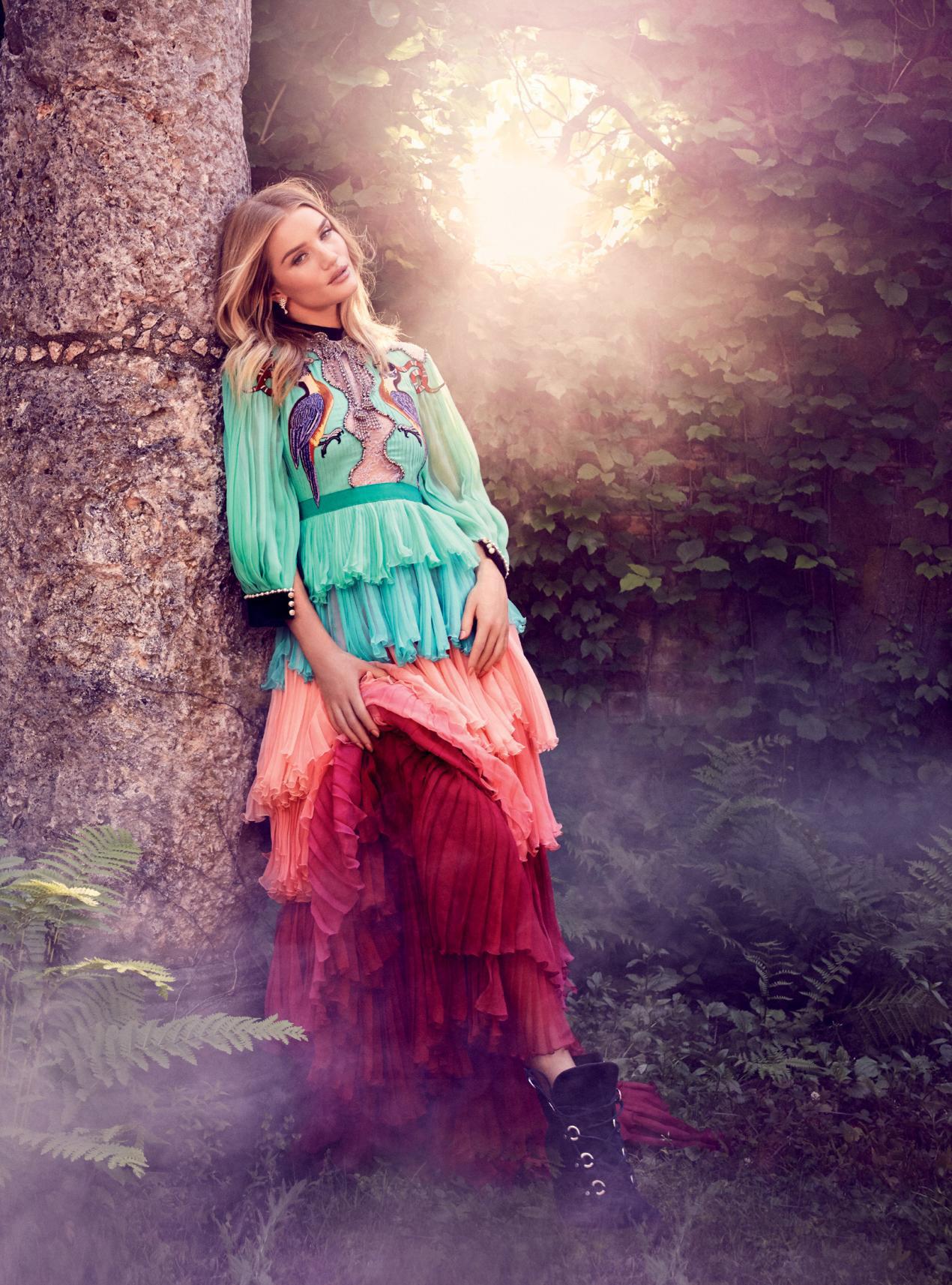 Heart To Heart / Harper's Bazaar UK September 2016 / Rosie Huntington Whiteley / Alexi Lubomirski