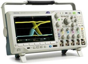 Цифровой осциллограф с анализатором спектра MDO3024  . Внешний вид