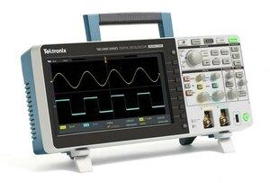 Цифровой осциллограф TBS2102  . Внешний вид