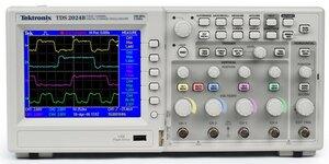 Цифровой осциллограф TDS2004C - передняя панель