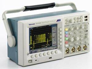 Осциллограф цифровой TDS3054C  . Внешний вид