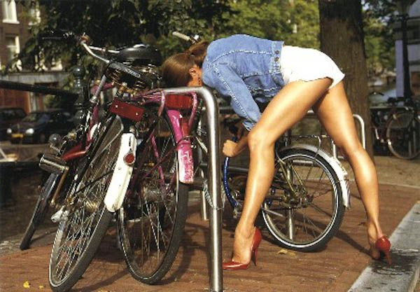 Девушки на велосипедах. Сексуальные фото