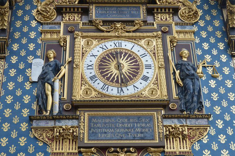 Точное время в Париже