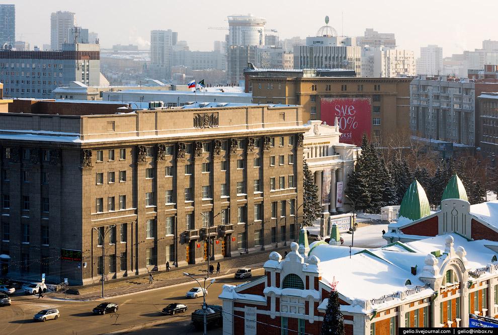 7. Государственный краеведческий музей, бывшее здание городского Торгового корпуса.