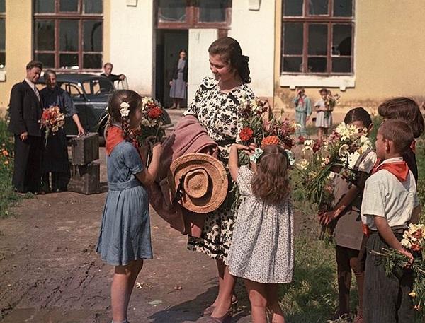 «Приезд учительницы», Дмитрий Бальтерманц, 1950 год.
