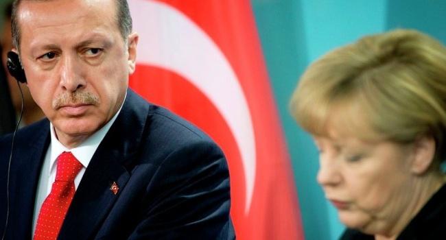 Меркель предложила Турции помощь вборьбе стерроризмом
