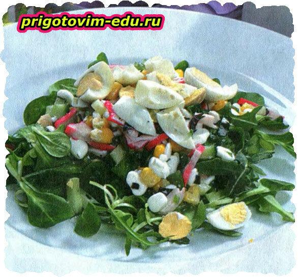 Салат с крабовыми палочками и творогом