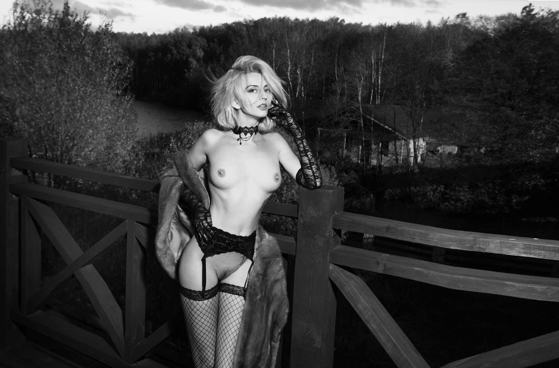 Эротическое фото с сюжетом, Сюжетные порно фото 20 фотография