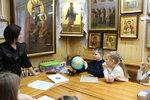 Цель урока - помочь детям осознать личную сопричастность в деле охраны природы и бережного отношения к Божьему творению. Ребята узнали, откуда берётся питьевая вода, в каких источниках она находится, её количество на планете и в частности в России, а также о фауне речки Уча